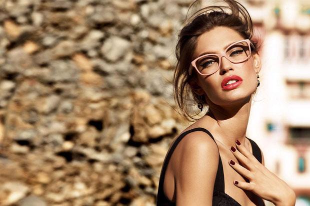 Anti-reflective lenses: indispensable!